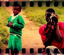 02×12 Uganda (Hypoheals) + Mochilero en América