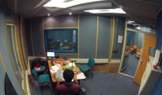 A solas en el estudio