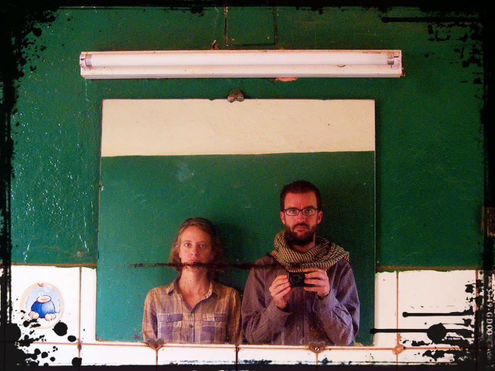 Pablo e Itziar durante su largo viaje por África
