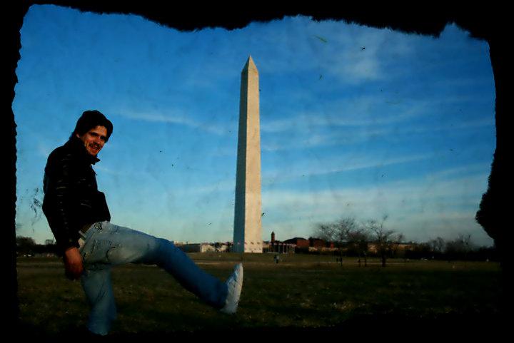 Kalipo, en el Washington Monument, durante su periplo por la Costa Este de EE.UU.
